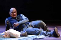 Luca Zingaretti al Teatro Comunale di Ferrara con The Pride