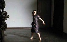 Poema degli atomi, la danza di Elisa Mucchi a Ferrara Off